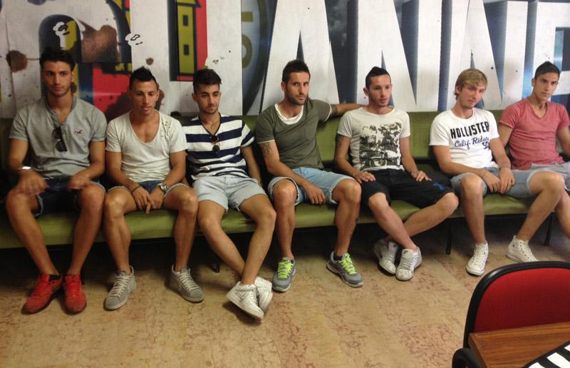 I nuovi bianconeri prima della conferenza stampa