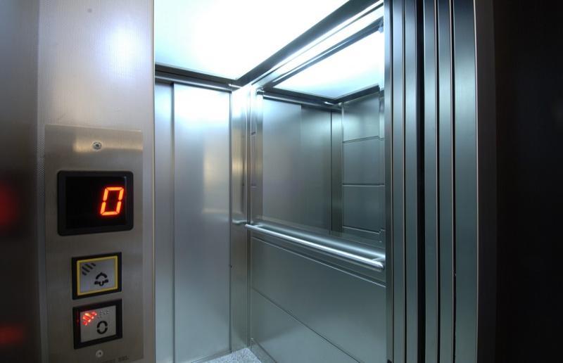 """""""Il bambino in ascensore"""""""