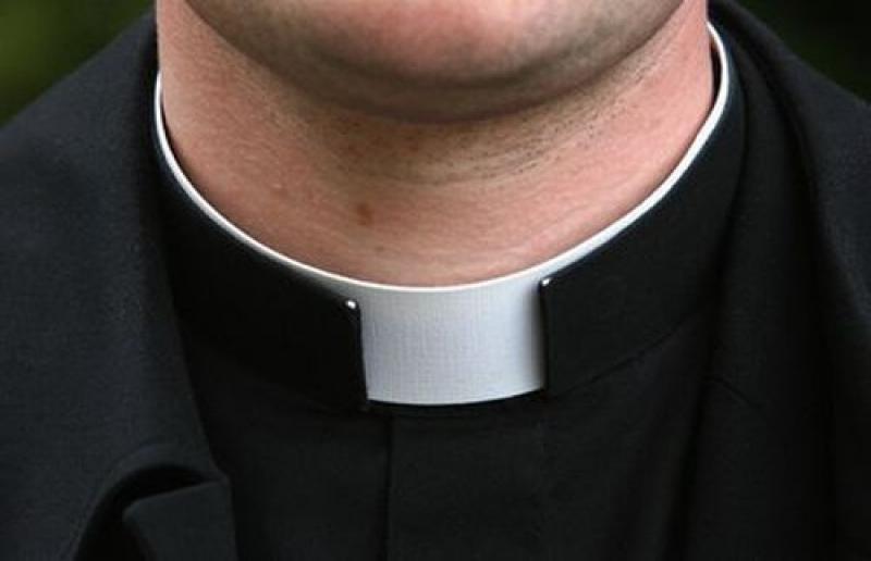 è un prete