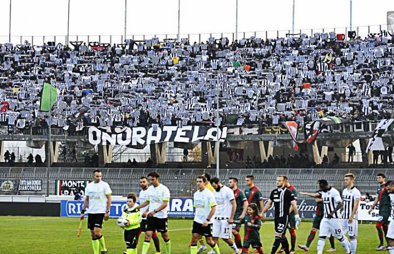 Tifosi Ascoli (Legab.it)