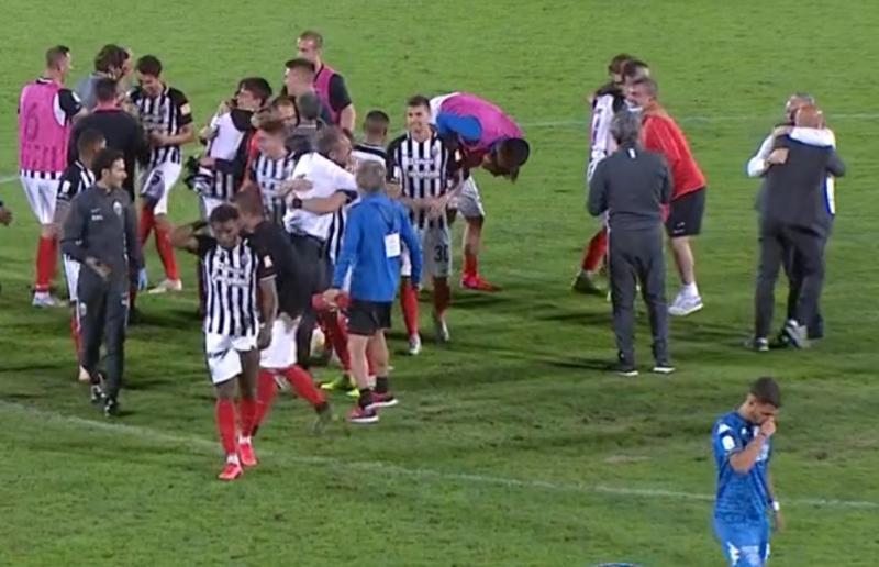 Ascoli-Empoli 1-0, Pulcinelli in campo