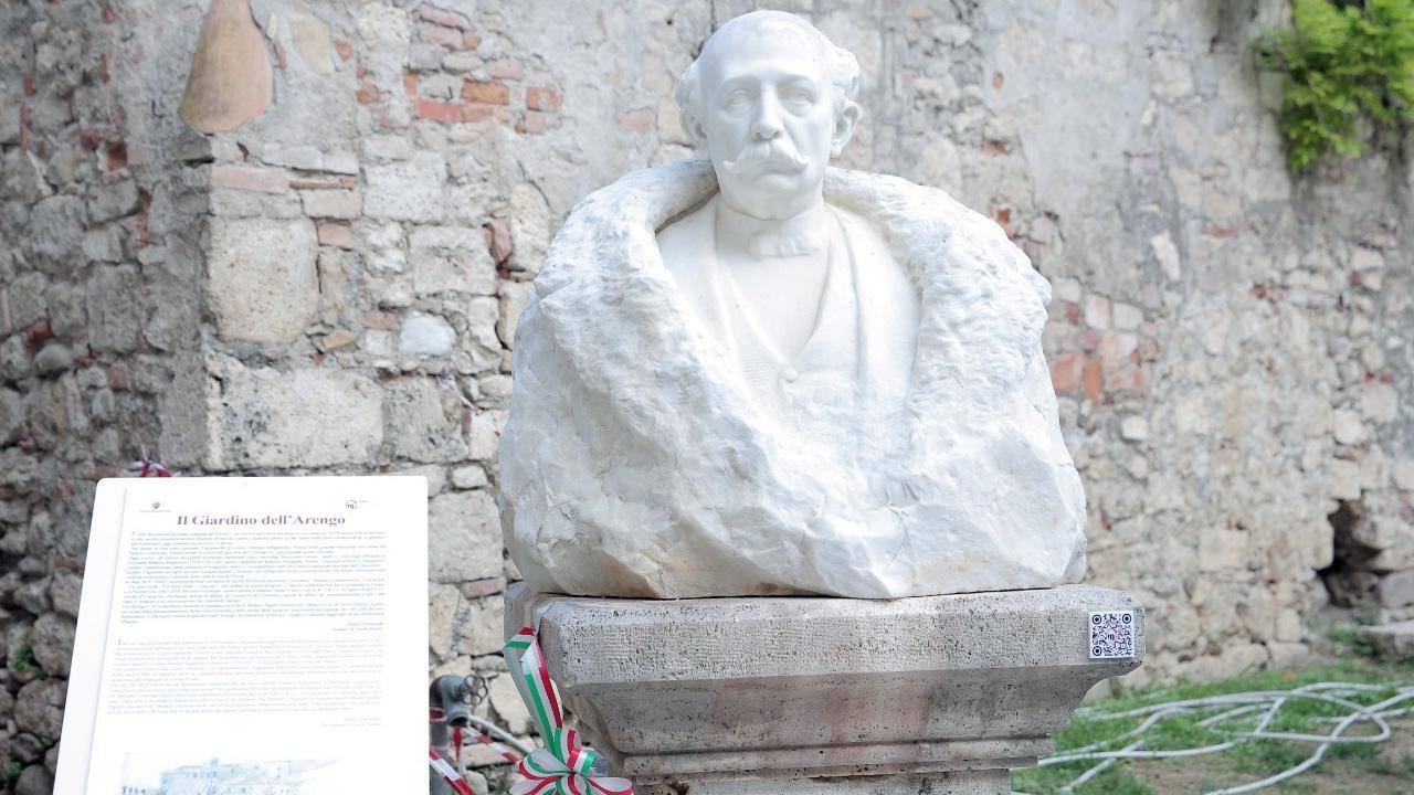 Ascoli Piceno, terminato restauro dei busti nel Giardino dell'Arengo. Le voci di Papetti e Di Silvestro