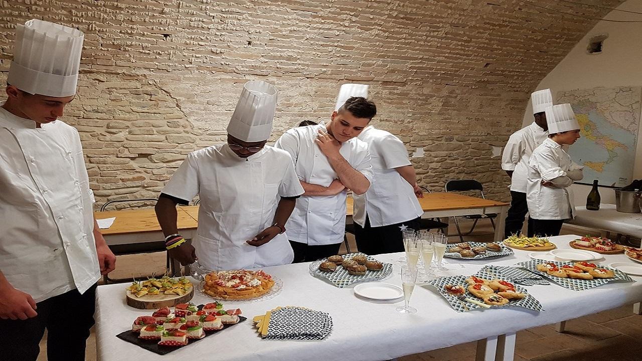 San Benedetto del Tronto, corso di formazione gratuito per Aiuto Cuoco