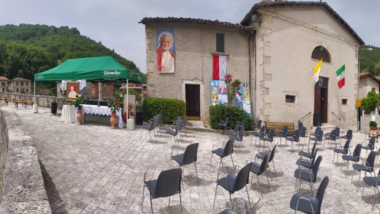 Acquasanta Terme, a Ponte d'Arli la messa all'aperto per ricordare Giovanni Paolo II