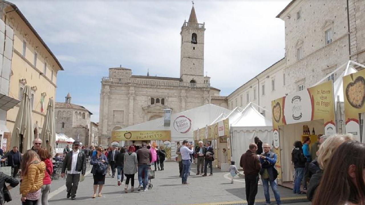 Ascoli Piceno, in Piazza Arringo torna Fritto Misto nel pieno rispetto delle normative anti Coronavirus