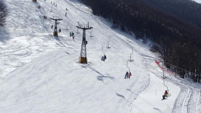 Ascoli Piceno, operazioni di collaudo sugli impianti sciistici di Monte Piselli