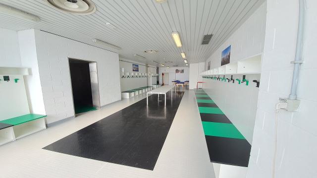 Pordenone-Ascoli, nuova pavimentazione negli spogliatoi dello stadio ''Teghil''