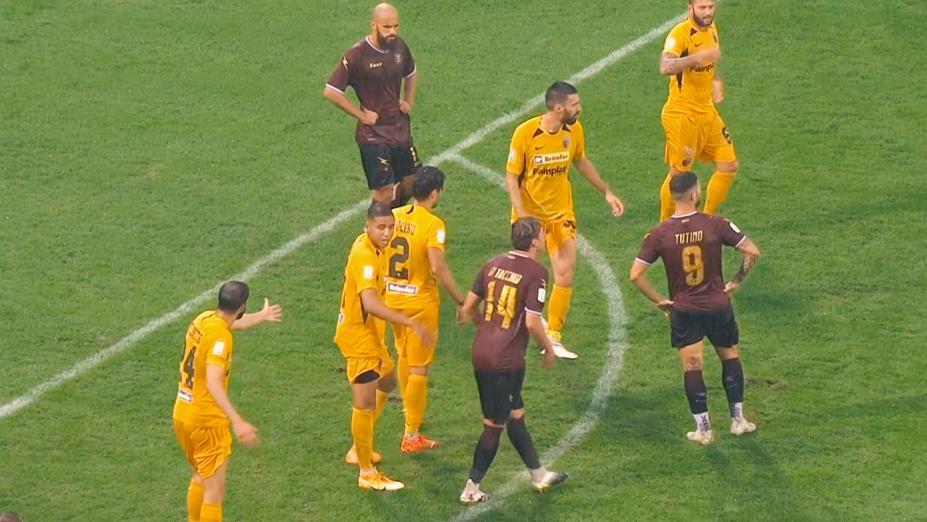 Salernitana-Ascoli 1-0, Picchio beffato nel finale da Anderson dopo una battaglia nel fango