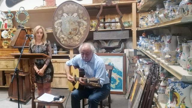 Marco Poeta e Letizia Rossi incantano il pubblico in un viaggio nel tempo tra le note popolari di 'L'Antico e la Musica'