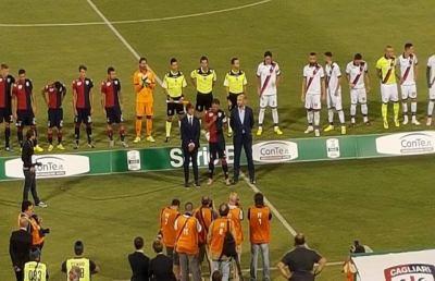 Cagliari-Crotone 4-0, esordio champagne per i sardi di Rastelli