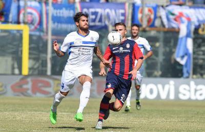 Crotone-Novara 2-1, le voci di Corradi e Baroni post gara