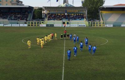 Fermana-Monticelli 2-1, stavolta il derby è amaro. Quarto ko per i biancazzurri