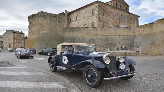 """Automobile Club Ascoli-Fermo, vetture straordinarie per la tappa di """"Ruote nella Storia 2021"""" a Grottammare"""