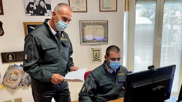 Guardia di Finanza, irregolarità nella percezione contributi Covid. Sequestrati 10mila euro a ristoratore di Civitanova