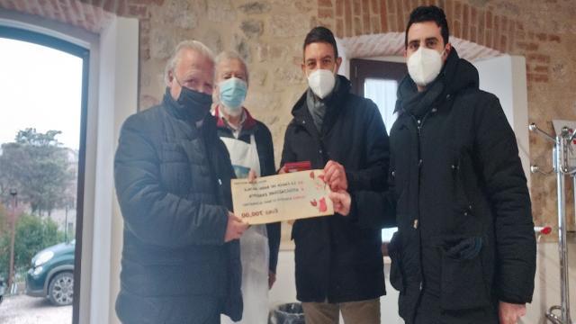 Ascoli Piceno: ''La Carica dei Babbi Natale'', consegnata alla Zarepta seconda parte raccolta fondi
