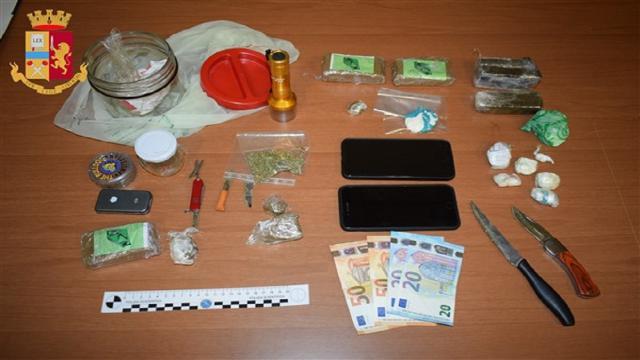 Operazione antidroga Polizia Ascoli: arrestato 33enne e sequestro hashish, cocaina e marjuana
