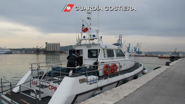 Guardia Costiera Ancona, soccorsa imbarcazione da diporto durante ''Regata del Conero 2021''