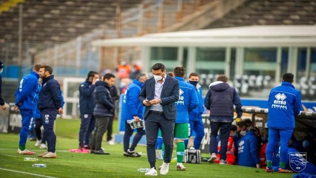 Pescara, un calciatore si negativizza al Covid-19 in vista del recupero con l'Entella
