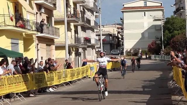 FCI Marche, per la categoria juniores trionfo di Fermanelli al 'Giro del Lago di Varano'
