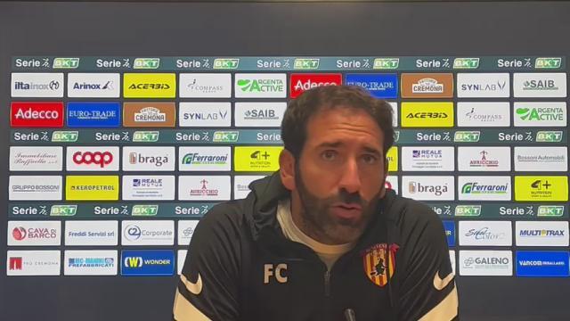 """Cremonese-Benevento 1-1, le voci di Pecchia (""""Gran bella partita"""") e Caserta (""""Contento della prestazione"""")"""