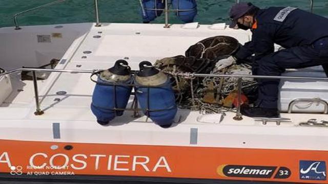 Guardia Costiera San Benedetto del Tronto, sequestrati attrezzi da posta abusivi
