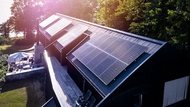 Otovo, la rivoluzione solare norvegese arriva nelle Marche: bastano 2 minuti per installare il fotovoltaico a casa