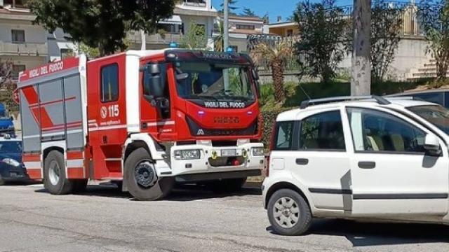 Villa Pigna, rocambolesco incidente tra tre auto nei pressi della chiesa di San Luca Evangelista