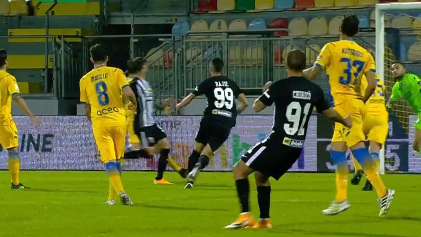 Frosinone-Ascoli 1-0, il Picchio sciupa troppo e viene punito da una gran giocata di Salvi