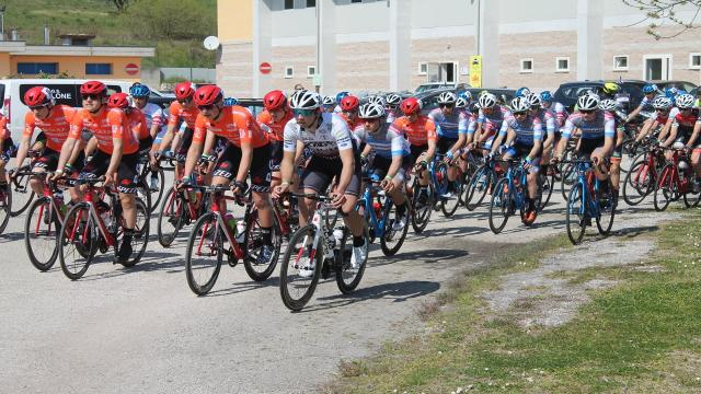 Ciclismo: Trofeo Abmol, i marchigiani Lancioni e Bracalente in evidenza nella gara di Ancarano