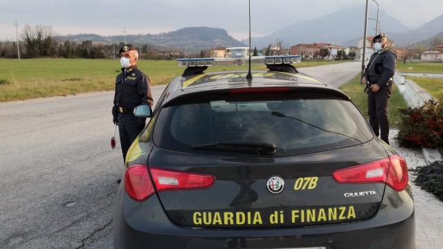 Guardia di Finanza: 62 persone indagate e sequestro beni per oltre 20 milioni a società settore petrolifero