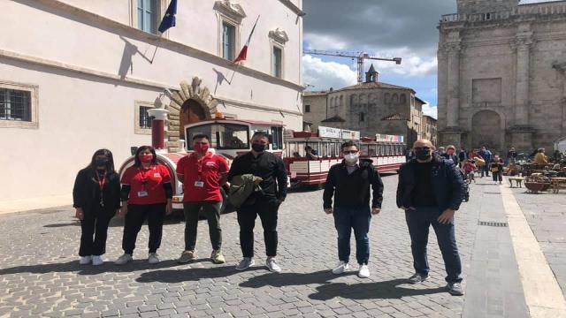 """Trenino ''Ascoli Explorer'', Fioravanti inaugura prima corsa: """"Rappresenta voglia di rinascita della città"""""""