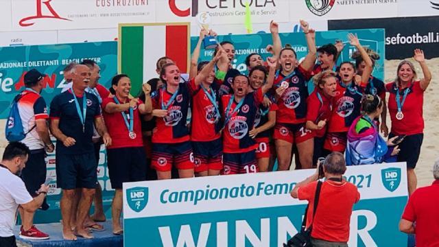 Beach soccer, la Samb femminile è campione d'Italia. Napoli finisce ko per 2-1