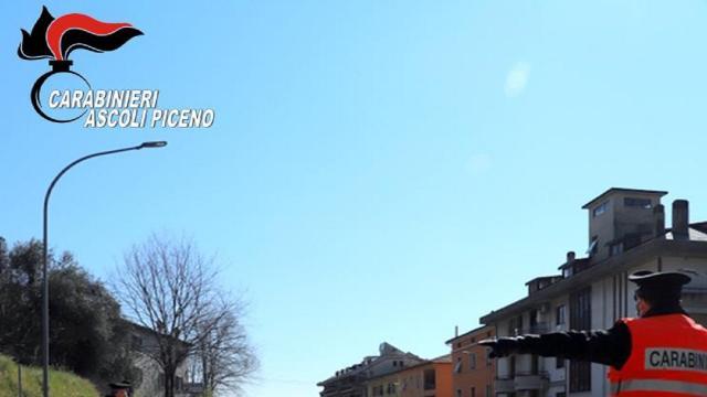 Ascoli Piceno: colpisce marito alla tempia dopo ennesima lite, denunciata casalinga 45enne