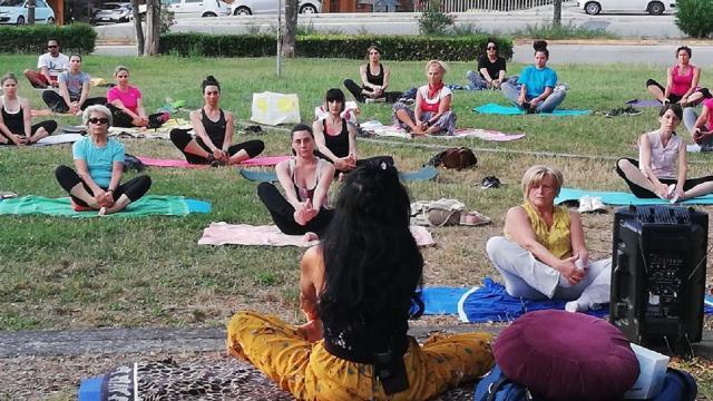 ''Il valore sociale dello sport'', al via lezioni online gratuite di yoga per i cittadini di Offida