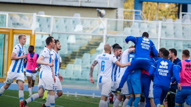 Serie B, la Asl ferma il Pescara. Non si giocano scontri diretti con Entella, Cosenza e Reggiana