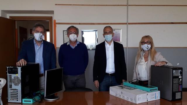 Maltignano, il Rotary club di Ascoli Piceno dona due computer al Comune