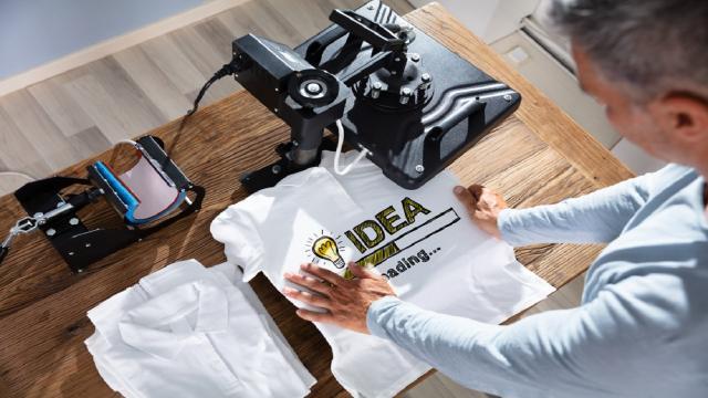 Personalizzare le magliette online conviene: ecco perché