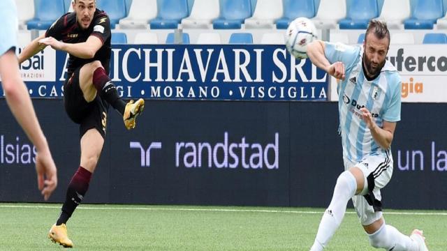 Serie B 33° turno: la Spal passa a Lecce, bene la Salernitana. Pordenone ko a Cremona