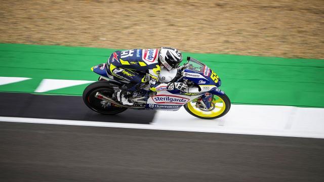 Moto3, Fenati subito brillante a Silverstone: ''Mi trovo molto bene, da migliorare il setting''