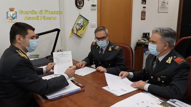 Guardia Finanza Ascoli, scoperte polizze fideiussorie illegittime per importo garantito di oltre 217 milioni