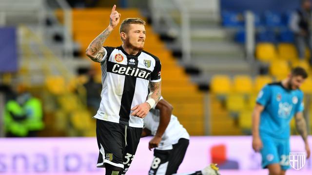 Parma-Spezia 2-2, highlights