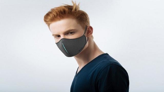 Mascherine come accessori di abbigliamento: le ffp2 diventano alla moda