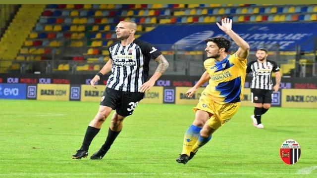 Ascoli Calcio, Vellios: ''In bocca al lupo ragazzi, tornerò più forte che mai''
