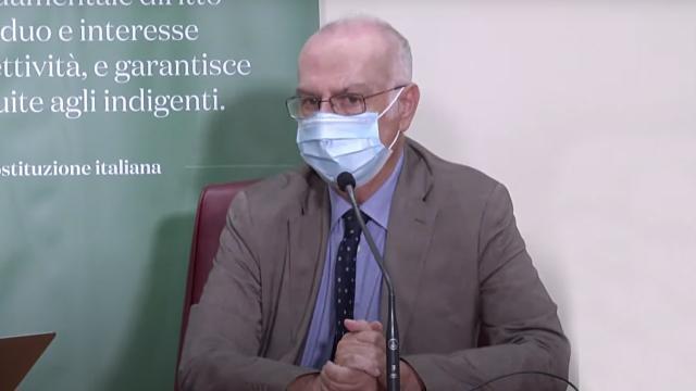 Vaccini anti-Covid, Ministero Salute: ''Per i guariti basta una dose entro un anno''