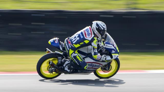 Moto3, Fenati dà spettacolo sul circuito di Assen e conquista la prima fila