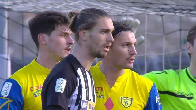 Ascoli-Chievo 0-0, i bianconeri creano di più ma non trovano lo spunto vincente