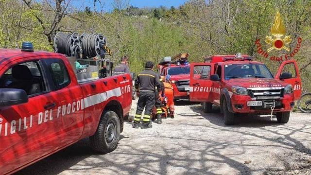 Ascoli Piceno, Vigili del Fuoco e Soccorso Alpino recuperano ciclista caduto durante escursione in mountain bike