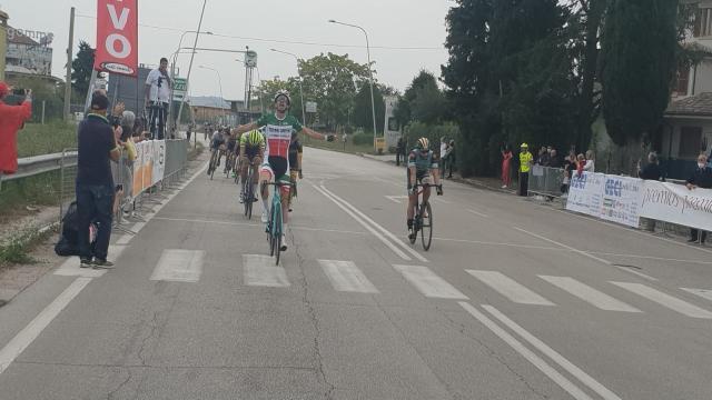 Ciclismo: Ascoli Piceno, Marini e Senni i migliori al Gran Premio di Chiusura CSI