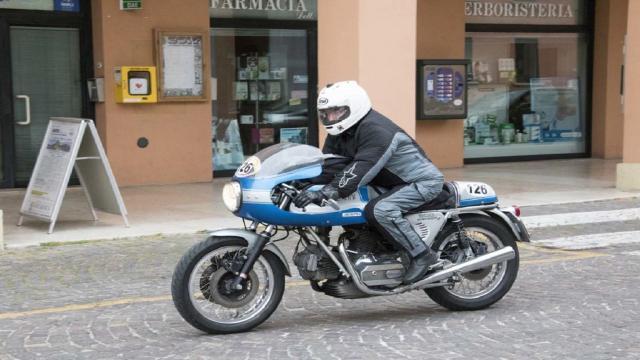 Ad Ascoli Piceno la penultima tappa della Rievocazione Storica del Motogiro d'Italia
