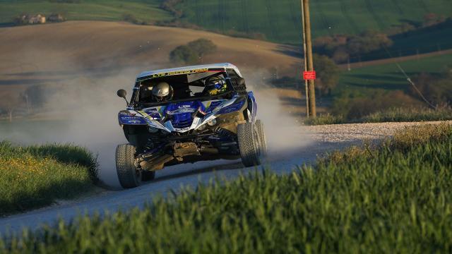 Tricolore Side by Side, al Baja Rally Adriatico successo di Alessandro ed Emiliano Tinaburri tra i colpi di scena